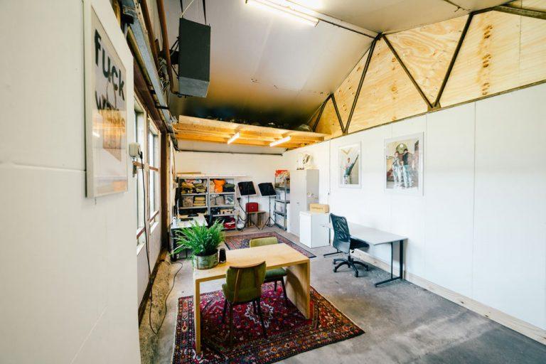 Inside_Studio_Schrav